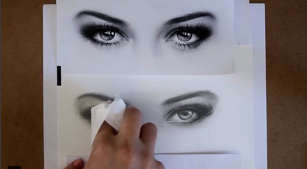 Best skillshare classes - Let's Draw: Sketch Realistic Eyes with Pencils